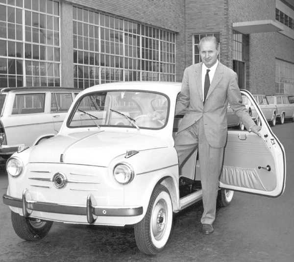 Dante Galacosa with fiat 600