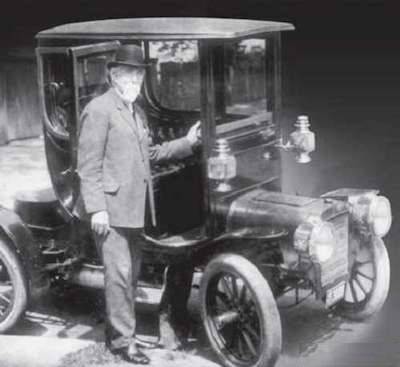 Henry Leland with his 1906 Model H